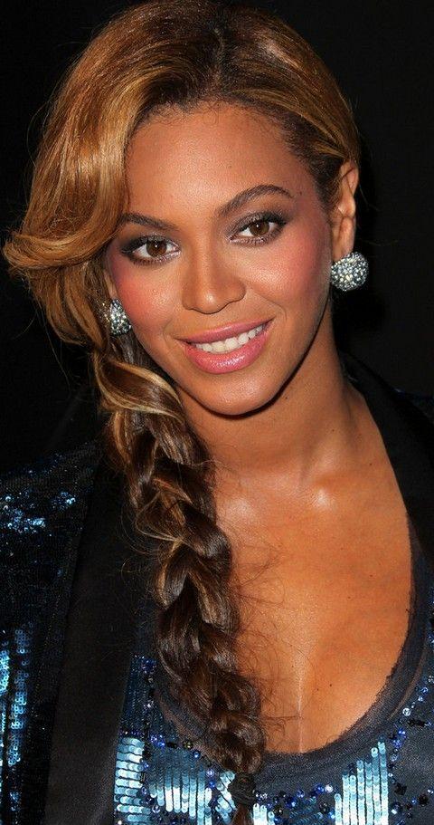 Beyonce penteados: adorável hairstyle longo trançado