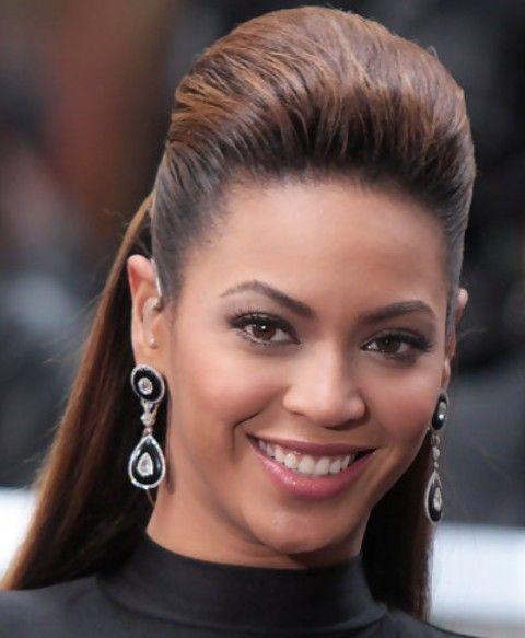 Beyonce penteados: de alta moda Meio-up Half-baixo penteado para mulheres mais velhas