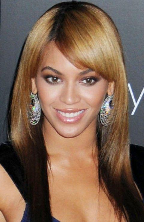 Beyonce penteados: Corte de cabelo em linha reta Ombre longo com franja