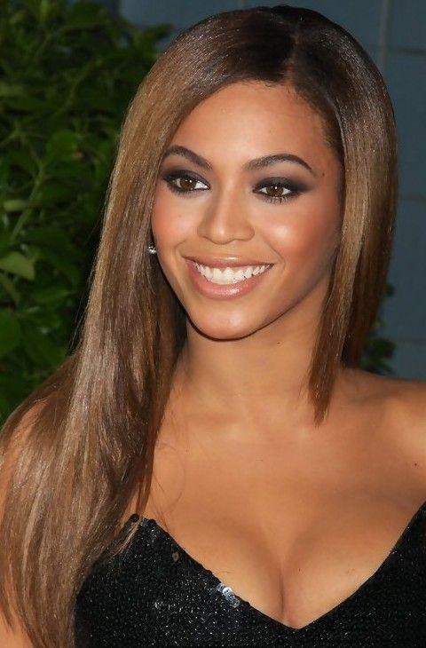 Beyonce penteados longos: Romântico Hetero Layered corte de cabelo