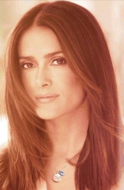Salma Hayek Penteados: Elegante Centro-separaram corte de cabelo