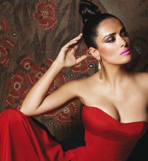 Salma Hayek Penteados: Edgy nó de cabelo