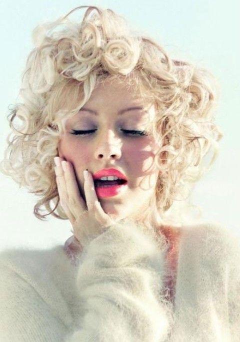 Christina Aguilera Penteados: Ondas Curtas modernos