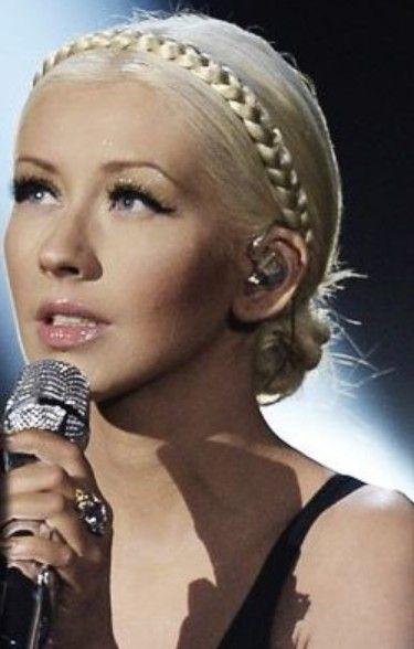 Christina Aguilera Penteados: trançado Bun