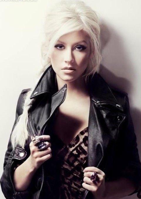 Christina Aguilera Penteados: Elegante longo Braid