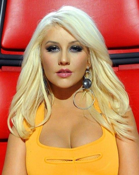 Christina Aguilera Penteados: Corte de cabelo reto bonito