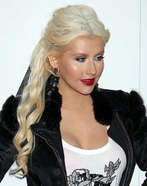 Christina Aguilera Penteados: Fabulous Meio-up Half-baixo Penteado