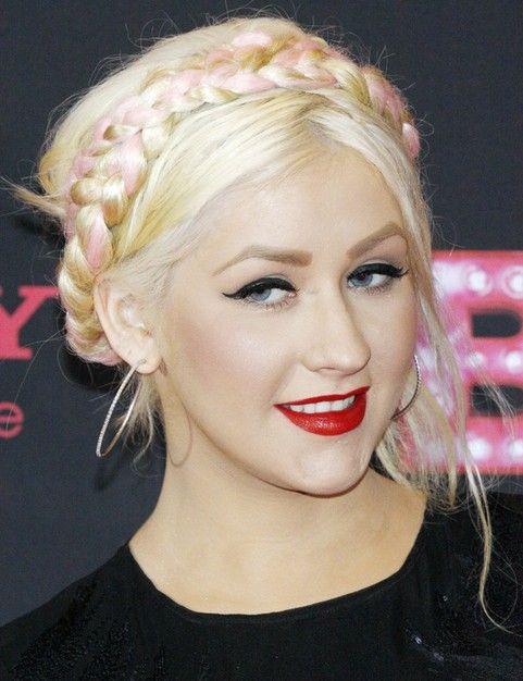 Christina Aguilera Penteados: Consideravelmente trançado Bun