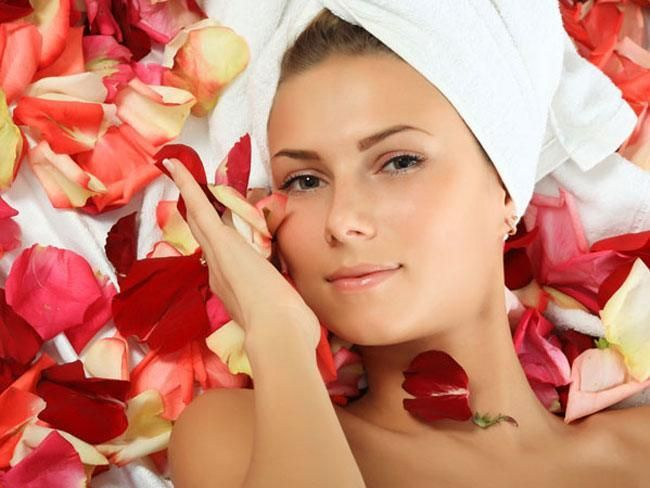pacote de rosto água de rosas