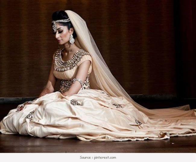 Top 5 os designers de noiva na índia