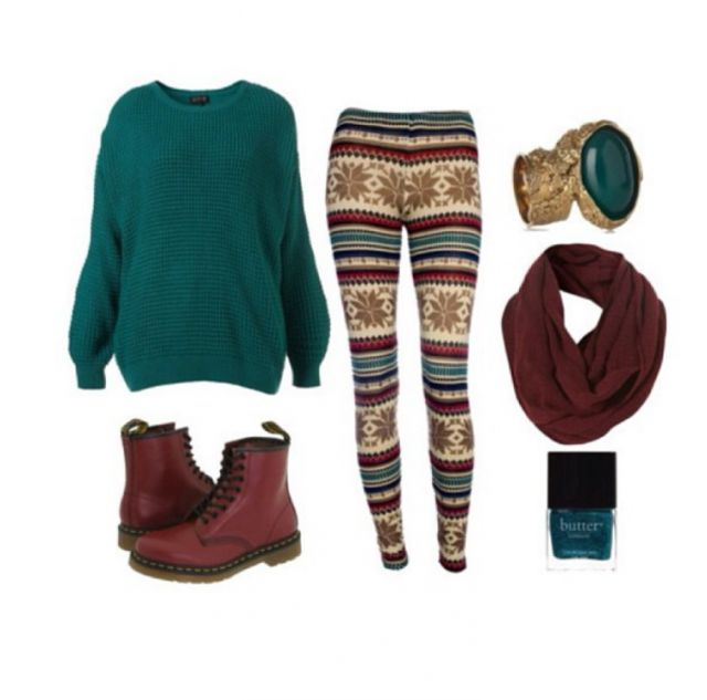 Maroon Leggings Outfit Idea