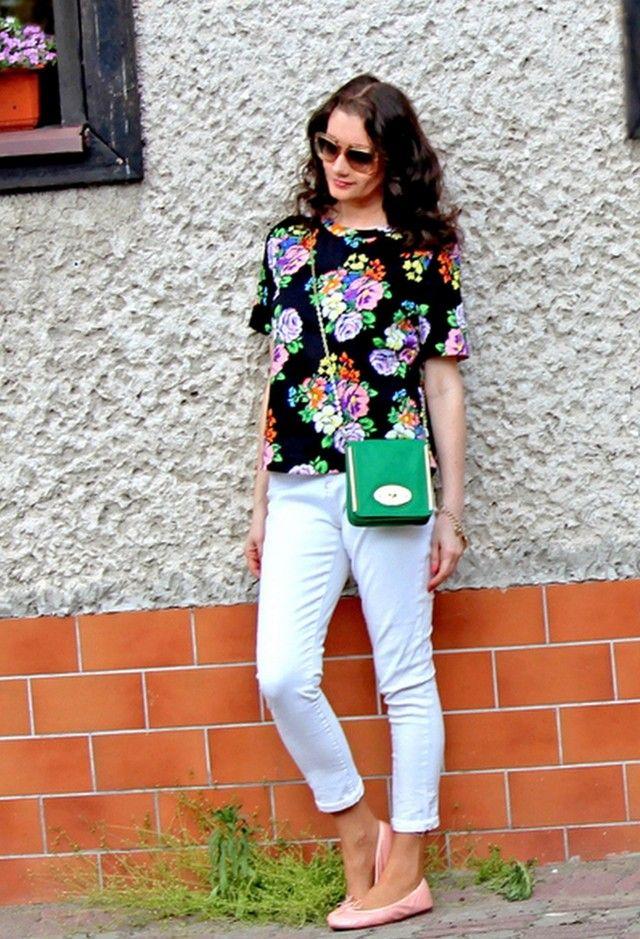 Ideia bonita do verão Outfit com branco Jeans