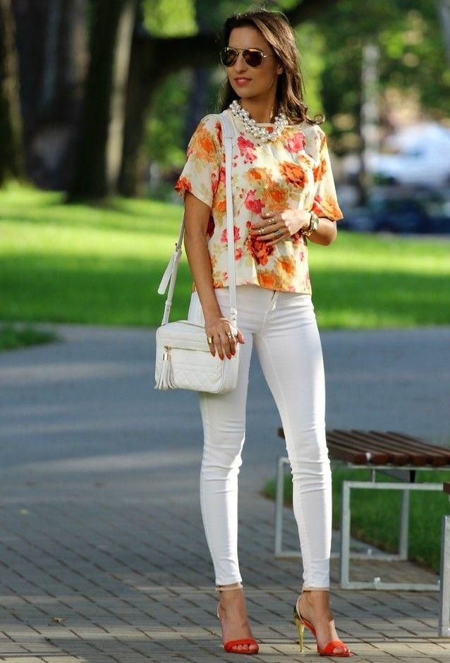 Tops florais e brancas Jeans Outfit
