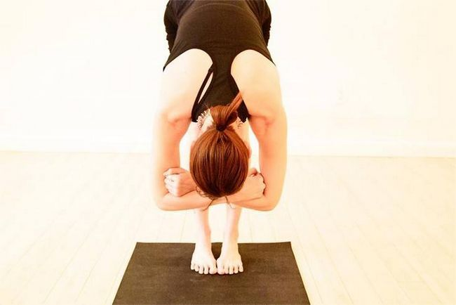 Exercícios de ioga para dor nas costas