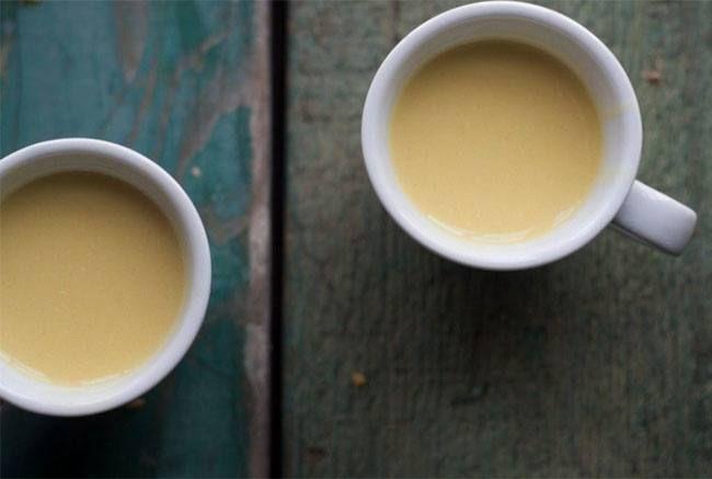 benefícios de saúde do leite açafrão