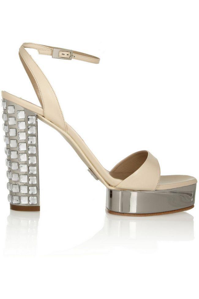 sandálias metálicas
