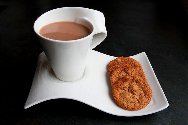 Chá com biscoitos