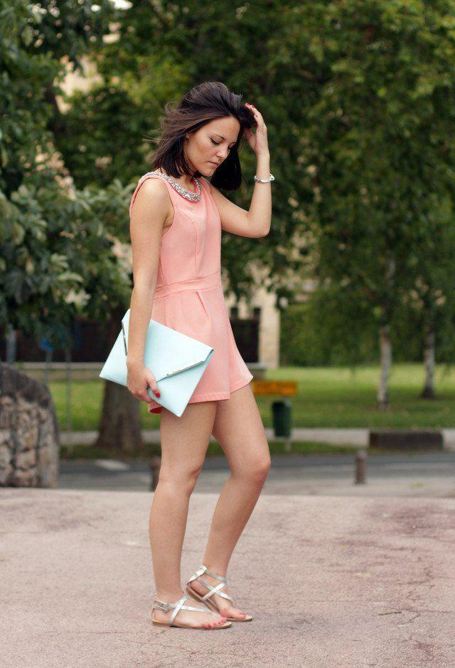 Idea-de-rosa curto Jumpsuit Outfit com Flats prata