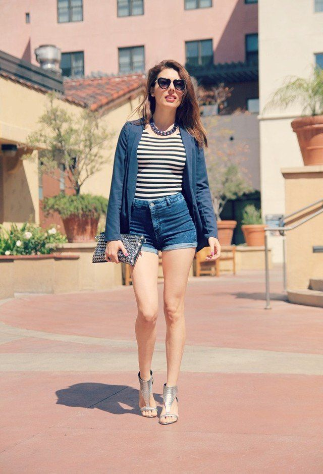 Idea esforço chique Outfit com sandálias de prata