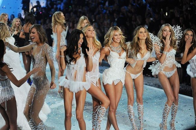 Desfile de moda da victoria secret 2013: a intervenção angélica
