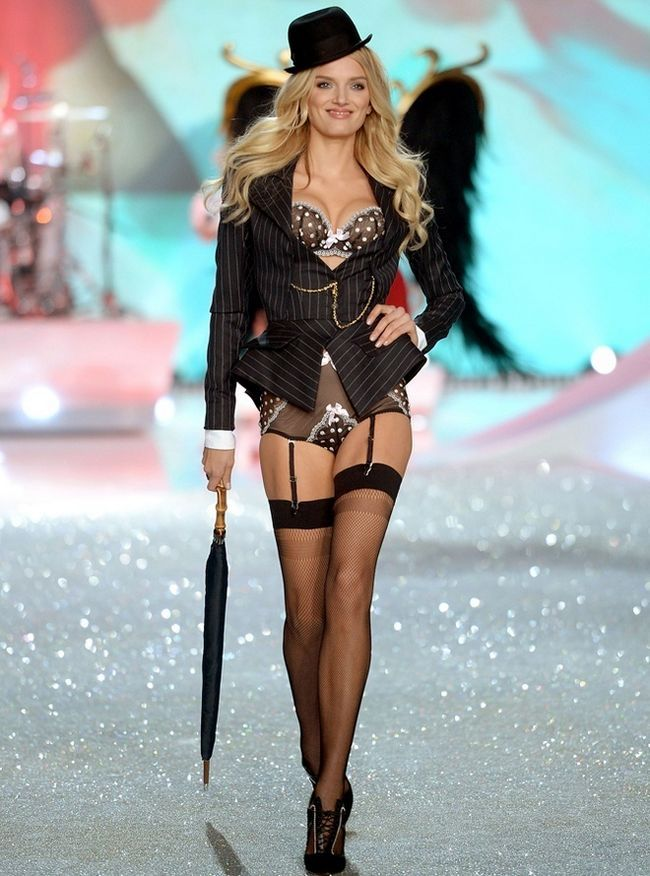 Lily-Donaldson-at-2013-Victoria`s-Secret-Moda-Show