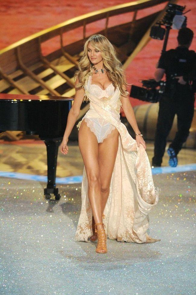Candice Swanepoel--at-2013-Victoria`s-Secret-Moda-Show