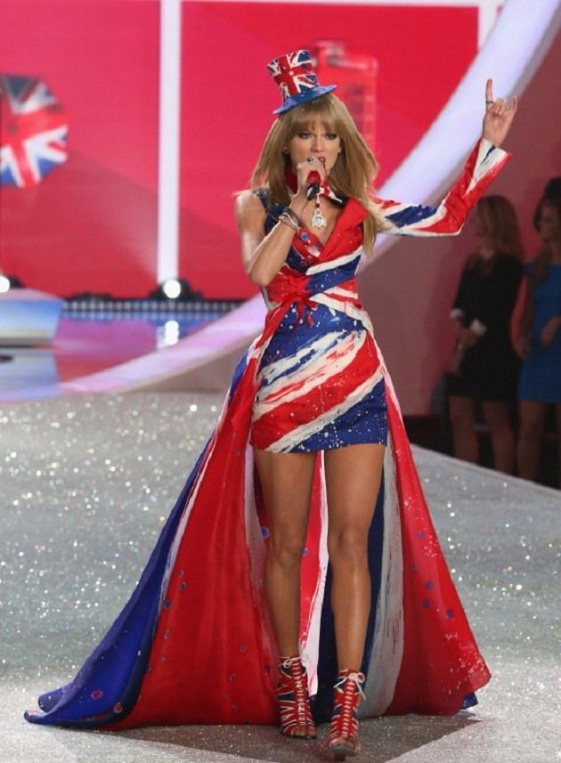 Taylor-Swift-Victorias-Secret-Forma-Show-2013