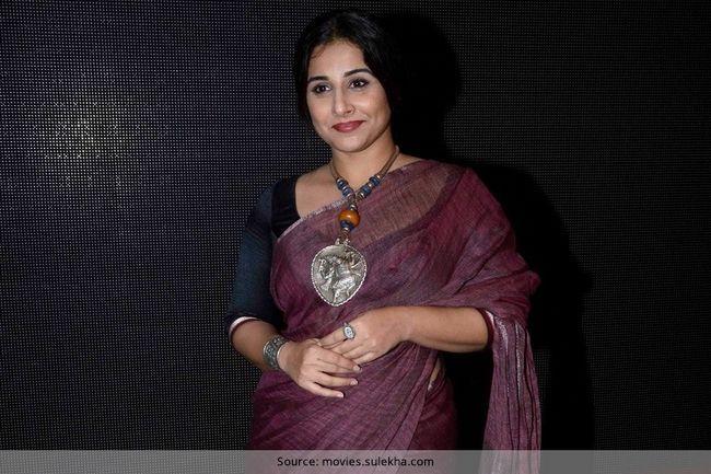 Vidya balan em seu saree assinatura de anavila