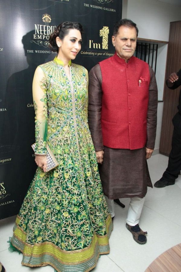 Karisma Kapoor--Neeru`s Emporio-1st-Anniversary-Celebrations-Hyderabad