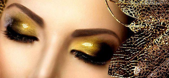 Quer adicionar algum drama para o seu dia? Optar por brilho composição do olho