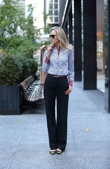 Blusa listrada com calça preta para Days trabalho