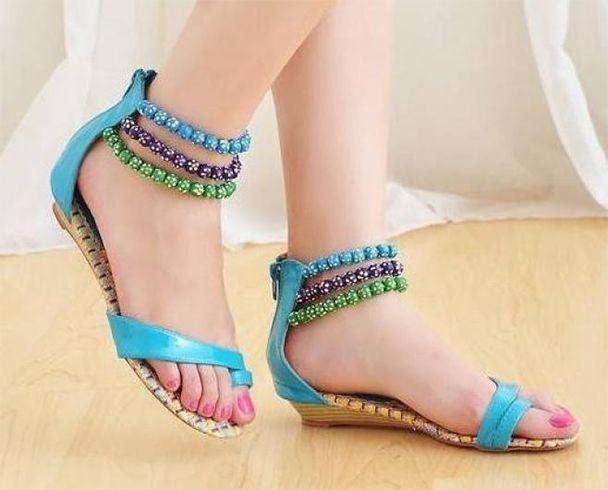 Sandálias na umidade