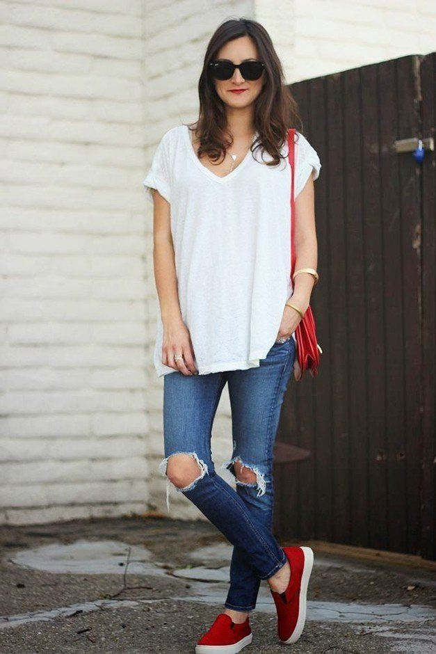 Solta Idea T branco Outfit com jeans rasgado