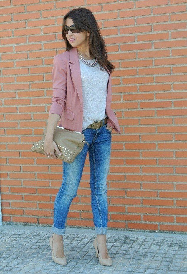 Idea T branco Outfit com Pink Blazer