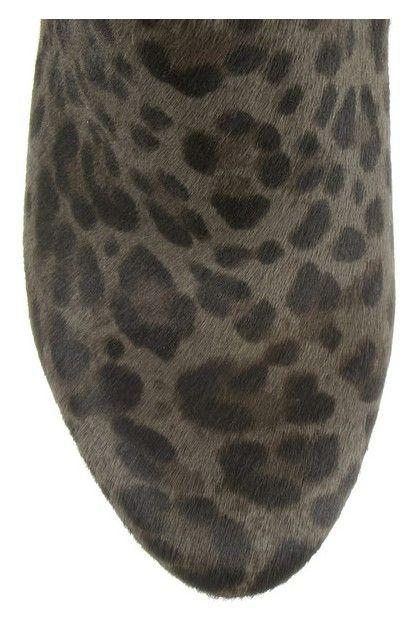 Vista frontal de estampa de leopardo botas cabelo bezerro tornozelo Jimmy Choo pista