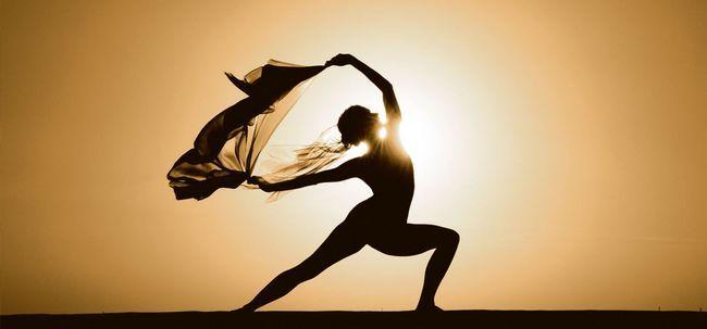Dança terapia yoga - forma super animado de yoga